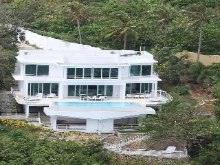 Miami White Villa, Borácay