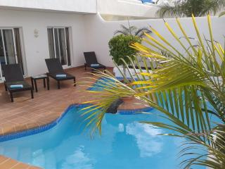 Bahia Azul. Private villa with heated pool., Corralejo