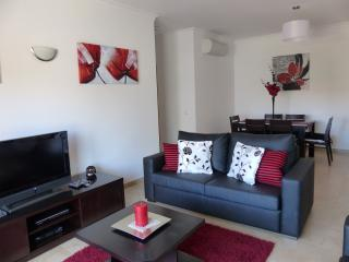 Quinta das Palmeiras 3 Bed Apt- Wifi & UK TV, Lagos