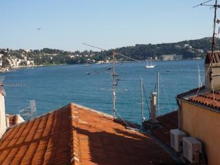 Villefranche top-floor apartment with super view, Villefranche-sur-Mer