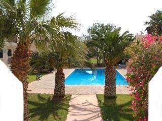 Safia air con studio overlooking pool