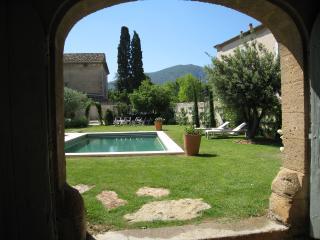 Villa St Henri, Maubec