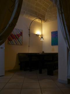 vista cucina angolo tavolo appartamento Ulisse