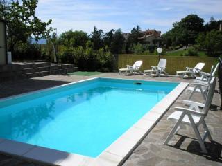 villa con piscina, Chiusdino
