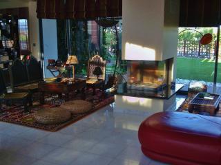 lareira e zona de sala de estar