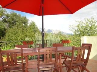 Large roof top terrace, great for dining alfresco, barbeques, and sun-bathing!