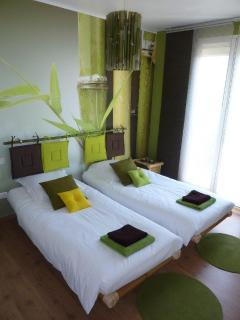 The green bedroom is equipped with the twin beds (90x200)