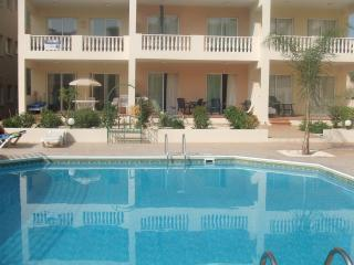 Diana Gardens 2Bed Ground Floor Poolside Apartment, Paphos