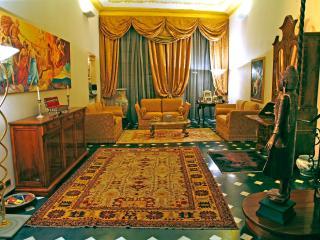 Suite  in apt . del XV Secolo, Savona