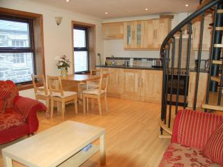 Kitchen/Dining Area - Cooker/Washing Machine/Fridge etc