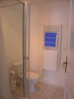 Cornflower Studio Gite Shower Room