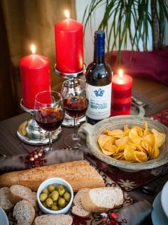 Complimentary local wine & tapas to welcome you to this lovely apartment.
