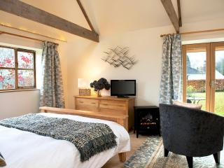 The comfortable and contemporary Barn still echoes it's origins with it wooden beams and barn d