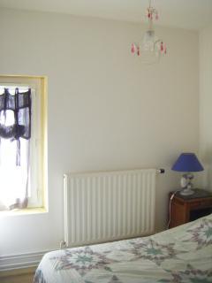 2ème chambre avec un lit de 1.20 m