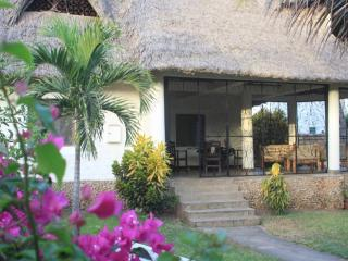 LionsHome, Galu Beach