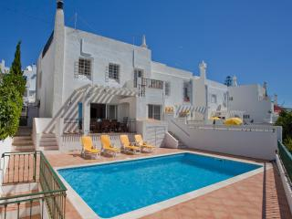 3 Bedroom Villa with private pool in Albufeira near the old town