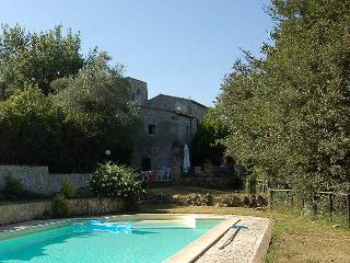 House with private pool, 1 km from village Giove