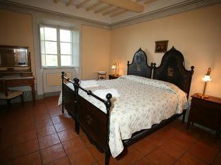 second floor double / twin room with comun bathroom