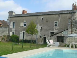 5 Bedroom House Heated Pool, Vienne