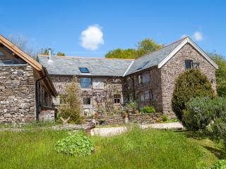 Bentwitchen Cottage - beautiful rustic Exmoor Barn with valley views. Pub nearby, South Molton