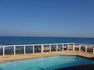The Waterhouse - on the waters edge, heated pool, Port Elizabeth