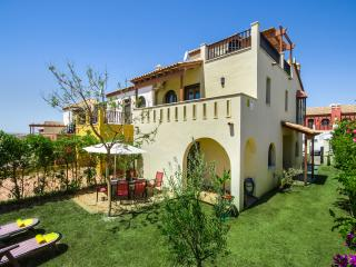 Excellent 3 bed townhouse on golf course, Costa Esuri