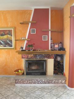 Termocamino che in inverno può scaldare tutta la casa perfettamente.
