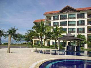 Luxury Beach Front Apartment with Swimming Pool, Kota Kinabalu