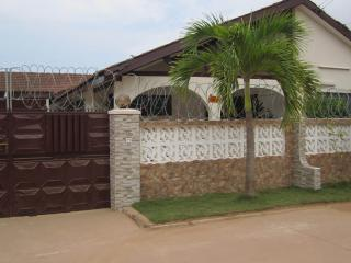 Atrractive Vacation Home Accra And Car Rentals