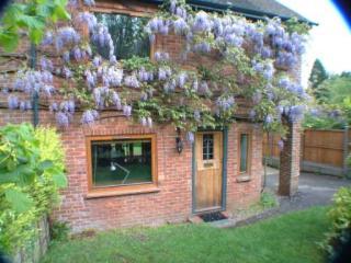 Woodpecker Cottage, Farnham