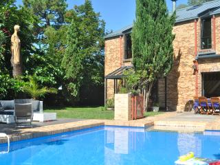L' EXOTIQUE, POOL & garden, best COTE BASQUE HOLIDAY, Anglet