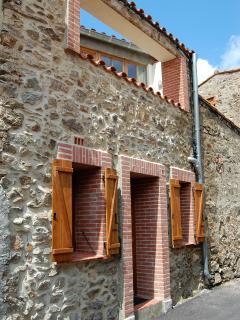 Le Juchoir, with terrace over front door