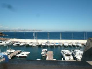 Lovely duplex in seafront residence near Cannes