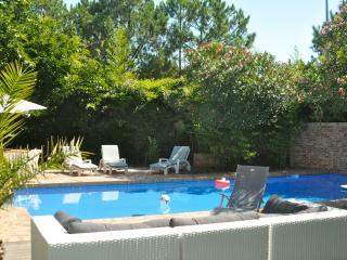 L' EXOTIQUE, POOL & garden, best COTE BASQUE HOLIDAY