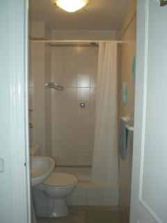 Guest shower room with loo and sink