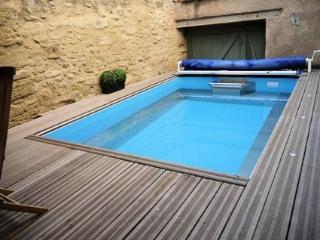 Holiday home in France pool, Nezignan l'Eveque