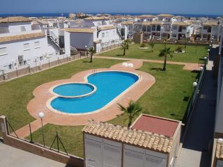 A lovely Ground Floor apartment overlooking the pool in La Cinuelica R14