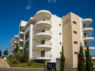 Vistas Das Ondas Apartment Building