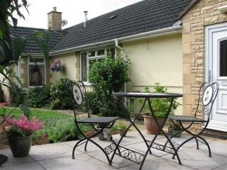 WICKHAM HOUSE A spacious ground floor  apartment. A quality holiday Home for 2.