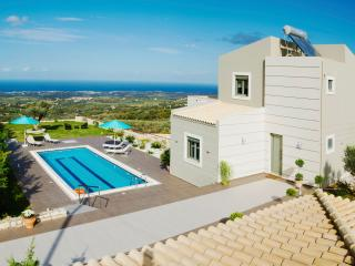 Villa Horizon- New Getaway with Panoramic Views, Réthymnon