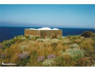 dammuso mq. 100, Pantelleria