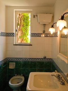 bathroom of the two bedded room