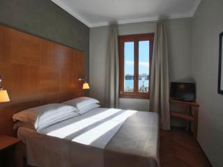 Water view Venice apartment holiday - doble bedroom 2 - unit B
