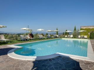 Tuscan country house close to Florence with pool, sleeps 3