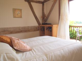 Bed and Breakfast Near Montpon-Menestrol