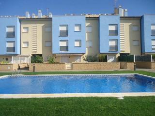 Duplex Orquidea. 150m to beach + pool, L'Estartit