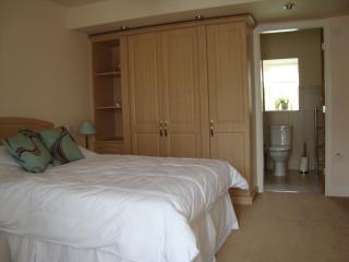 Ground floor Double room showing ensuite bathroom