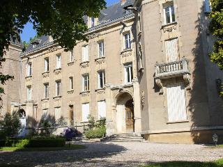 Proche NANCY Château de la Flie  à LIVERDUN