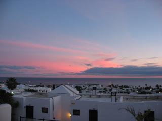 SUNNY SEA-VIEW APARTMENT, Puerto del Carmen