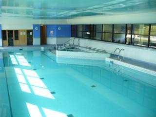 High View Meadows - sleeps 4 - FREE leisure club and pool    (No Pets Sorry)